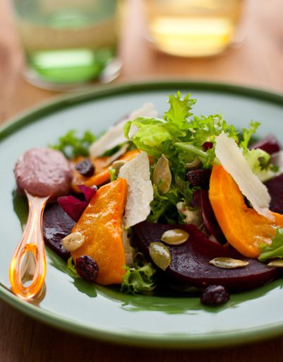 Warm salad of beets and pumpkin