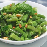 Green beans with mint and pine nuts