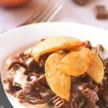 Chocolate pasta with cream sauce and caramelized apples