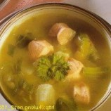 Soup with fresh salmon and onion