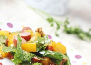 Light salad with walnuts and peaches